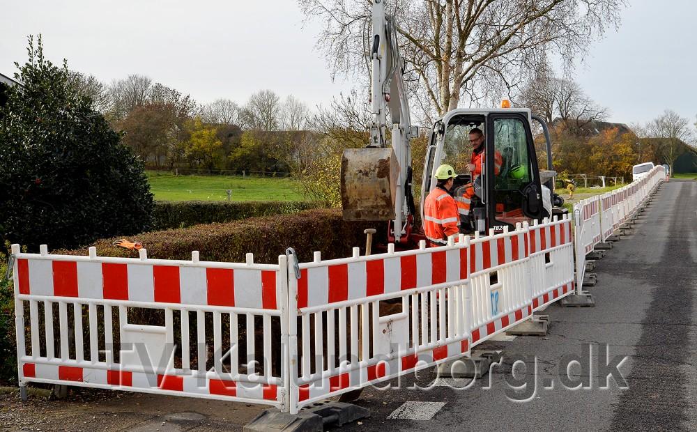 Entreprenøren er gået i gang med gravearbejdet onsdfag formiddag. Foto: Jens Nielsen