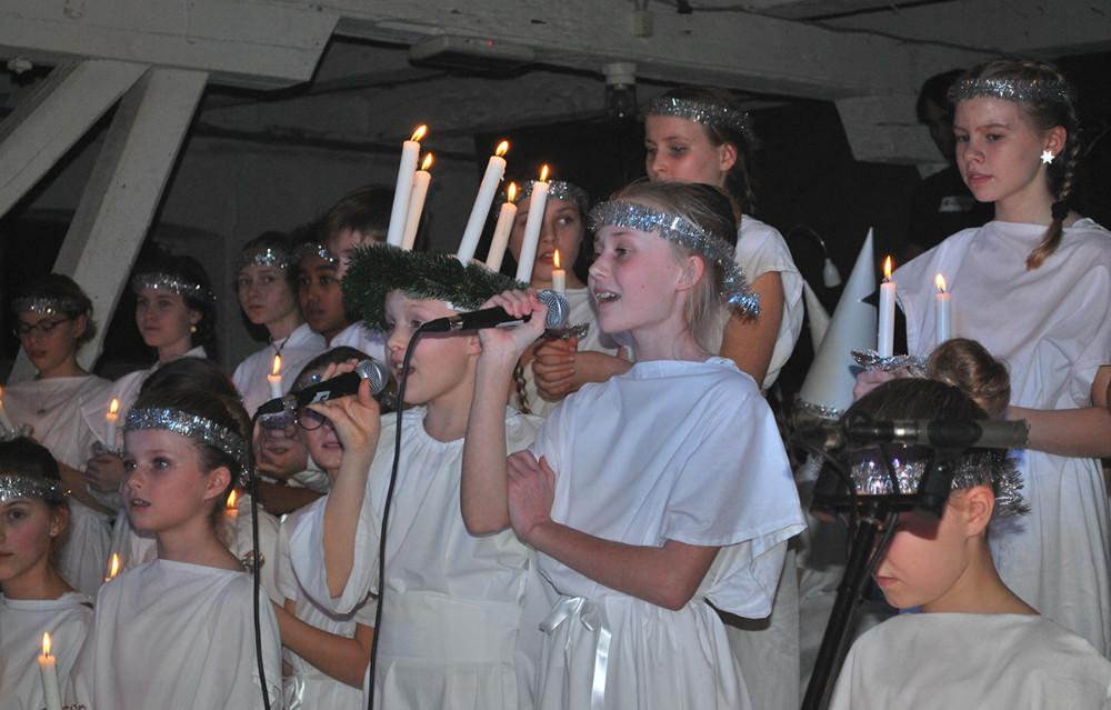 Juletraditioner er vigtige på Kalundborg Friskole. Her er der Jul i Laden.