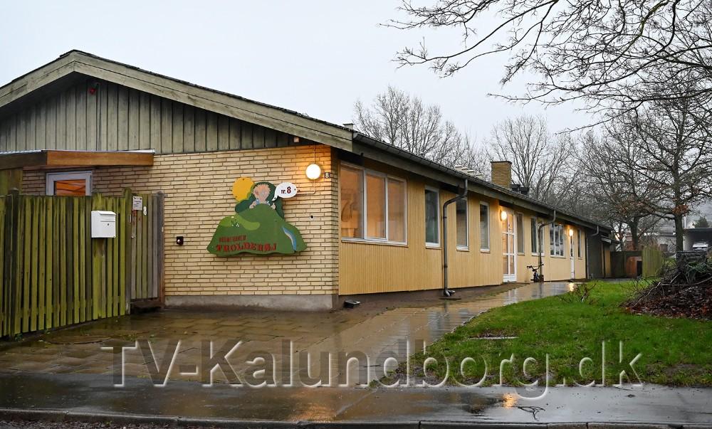 Bygningen hvor børnehaven Troldehøj har til huse er også en del af handelen. Foto: Jens Nielsen
