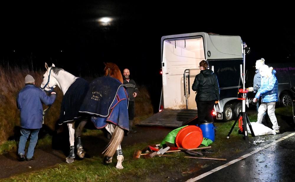 En mand blev onsdag aften dræbt i et voldsomt færdselsuheld på Høng Landevej ved Høng. Foto: Jens Nielsen