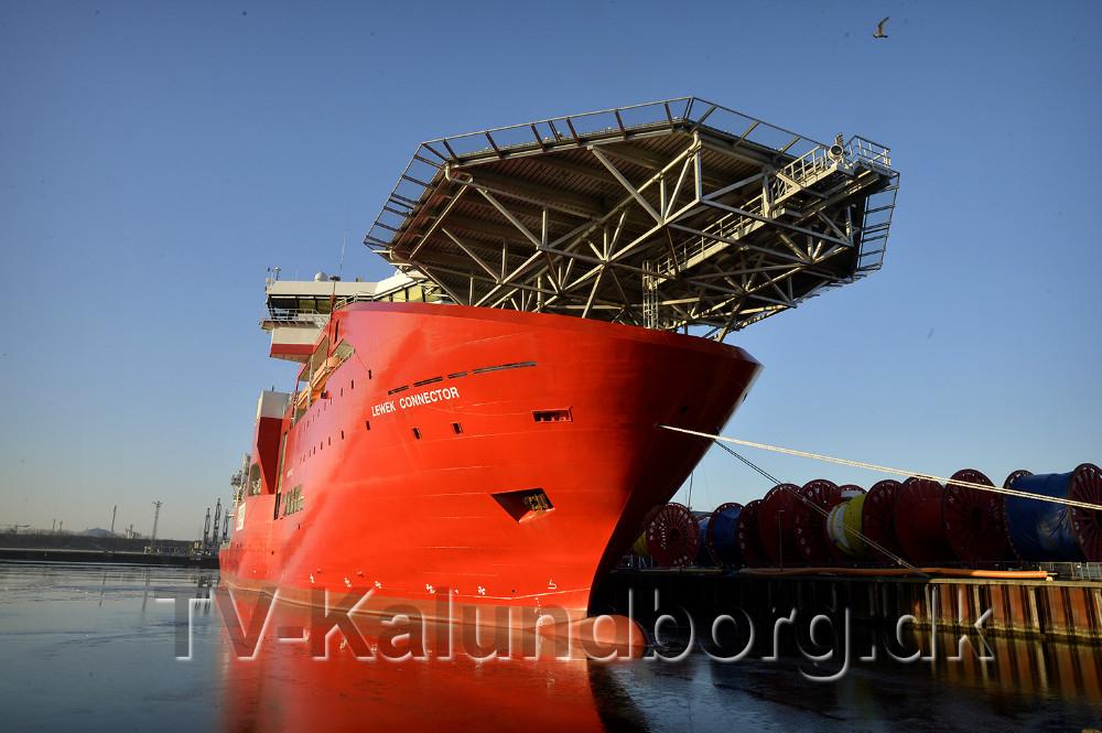 Lewek Connector ved NOV kajen i Kalundborg Havn. Foto: Jens Nielsen
