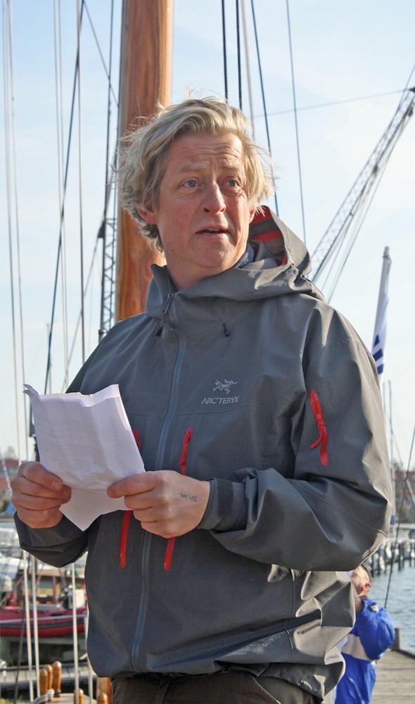 Næstformand i Kalundborg Sejlklub, Jesper Lauridsen, stod holdt talen ved årets standerhejsning på Gisseløre.