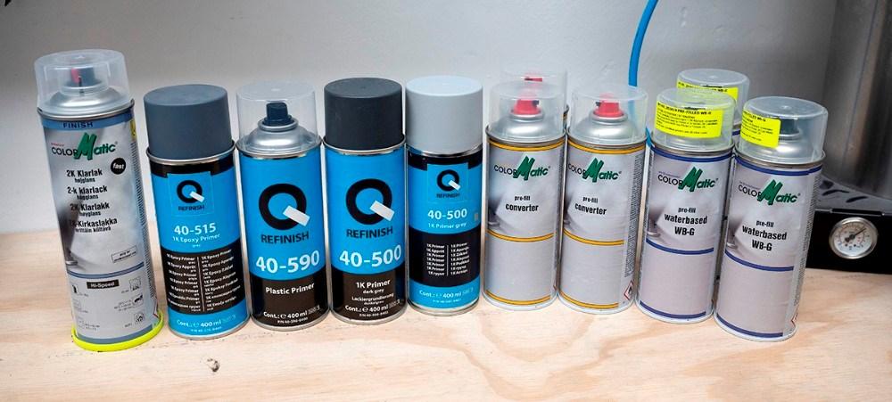 KE Laksupport kan også levere 2-komponent klarlak som giver mere dybde i farven, en række grundfarver, plasticprimer og epoxy. Foto: Jens Nielsen