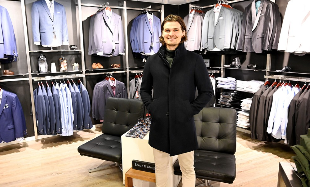 Mikkel Thisgaardi en lækker frakke i presset uld framatinique. Foto: Jens Nielsen
