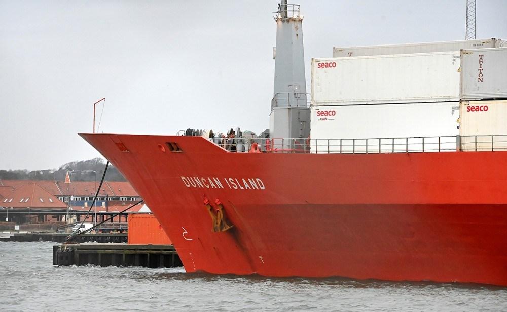Fragtskibet Duncan Island ligger nu i Kalundborg Havn, mens hele besætningen er sigtet for omfattende narkosmugling. Foto: Jens Nielsen