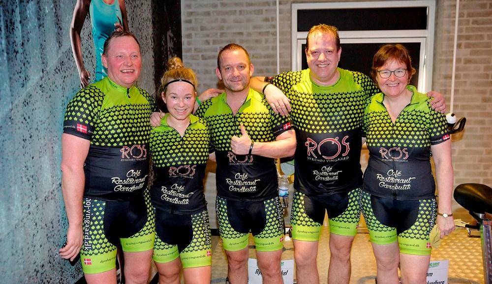 Team Dyrehøj Vingård, fra venstre, Tom Christensen, Mille og Flemming Grandjean, Jesper Thomsen og Jannie Lammert Christensen. Foto: Jens Nielsen
