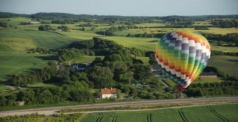 10 personer vinder en tur i en rigtig luftballon