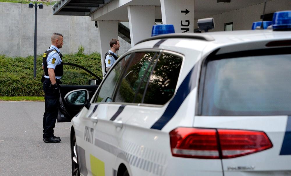 Manden som blev stukket med en kniv blev kørt til Akuthuset af en kammerat. Foto: Jens Nielsen