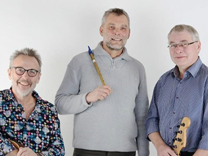 Folk Friends spiller i Solbjerg Forsamlingshus fredag den 9. november.