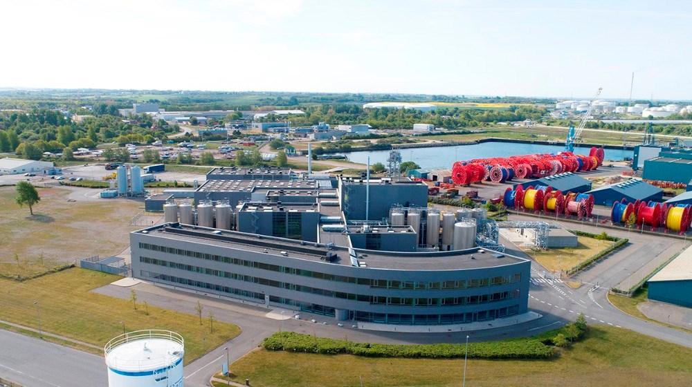 Den tidligere fiskeoliefabrik på havnen er solgt til Chr. Hansen, som skal bygge om for 200 mio. Euro. Foto: Jens Nielsen