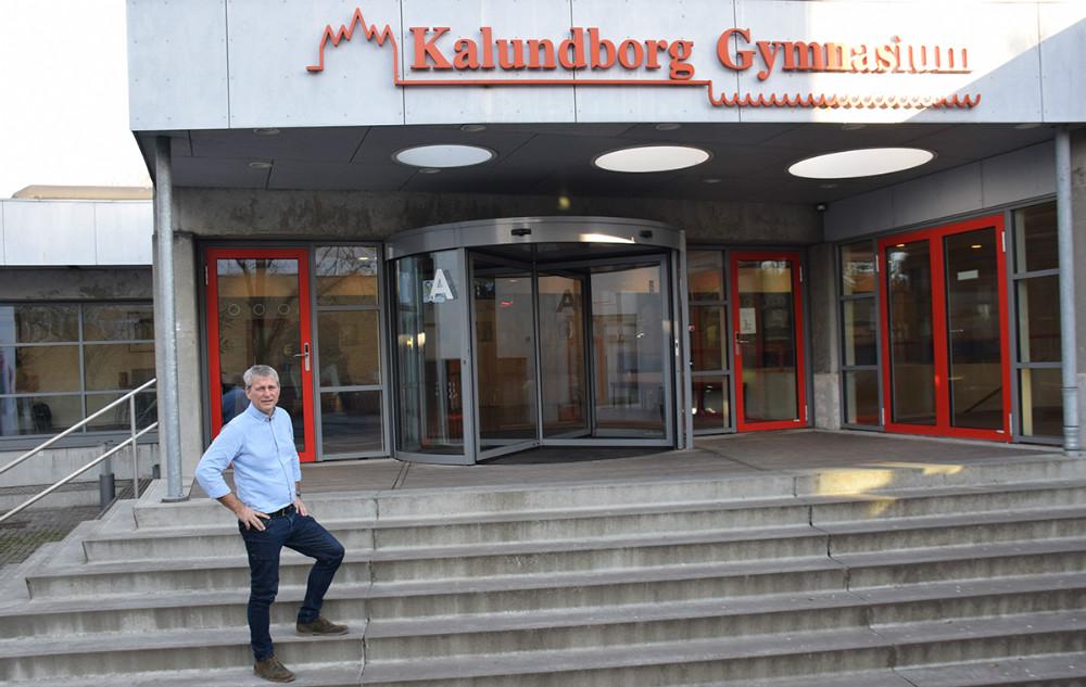 Kalundborg Gymnasium er et af få gymnasier i landet, der har oprettet en3-årig HFtil sårbare unge. Vicerektor på Kalundborg Gymnasium,Mads Christensen (på foto), fik idéen, da han var på kursus i Nørre Sundby, hvor de også har en sådan klasse.Foto: Gitte Korsgaard.