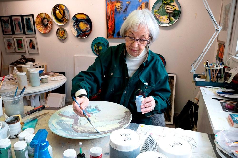 Grete Balle i sit atelier. Foto: Jens Nielsen