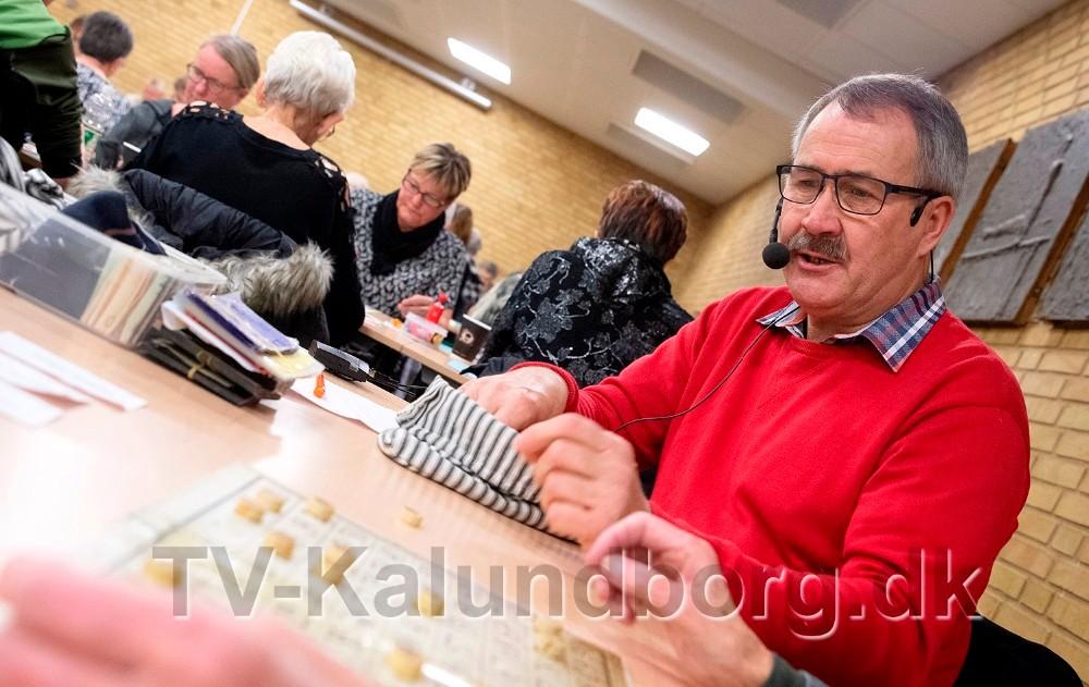 Hver onsdag er Niels-Erik Sørensen opråber til banko i Kalundborghallen. Arkivfoto: Jens Nielsen