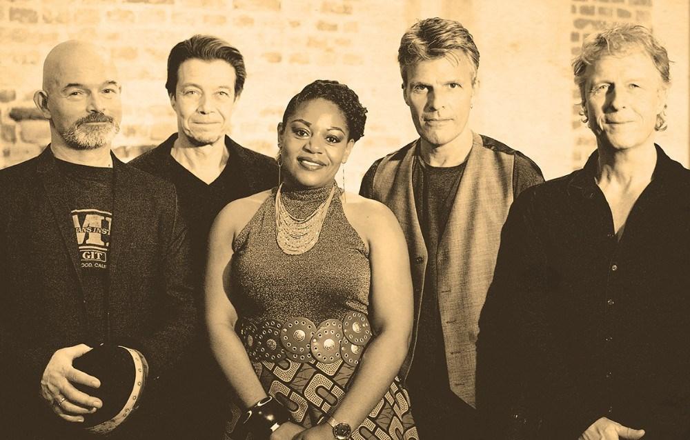 The Soul Familyer et nyt samarbejde mellem sangerenMiriam Mandipiraog fire erfarnemusikere fra øverste pop/rock hylde