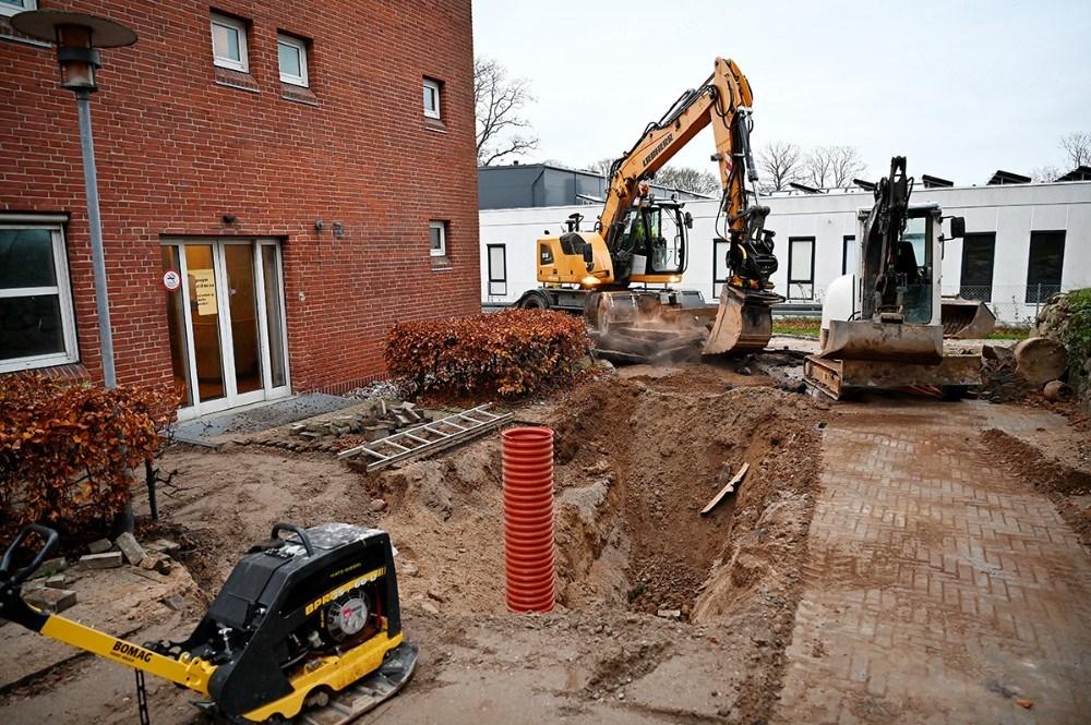 Alle Kloaker udskiftes rundt om det tidligere sygehus. Foto: Jens Nielsen