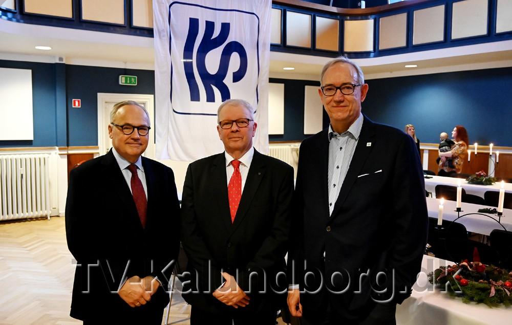 40-års jubilar Benny Pedersen i midten, sammen med, til venstre,Torben Christensen, bestyrelsesformand i Copenhagen Merchants og Gustav Jakobsen, direktør hos Schultz Shipping, til højre. Foto: Jens Nielsen