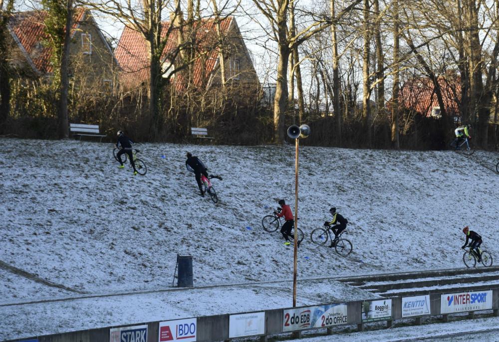 VM-deltagere i Cykel Cross træner i weekenden i Kalundborg. Foto: Gitte Korsgaard.
