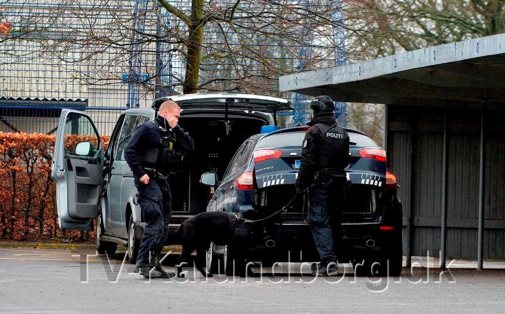 Politiet gennemførte en stor ransagningsaktion i Kalundborg først i marts sidste år, hvor de tre mænd blev anholdt. Foto: Jens Nielsen