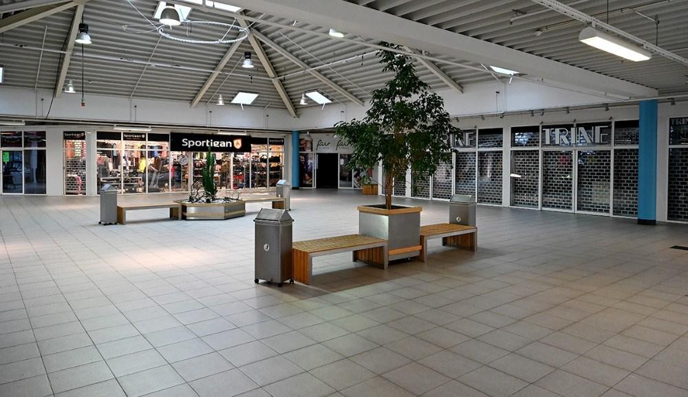 Stort set alle butikker i Høng Centret er lukket- Foto: Jens Nielsen