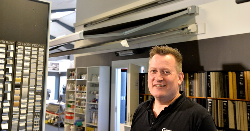 Nikolaj Schadler,Garant Kalundborg, klar med flere forskellige løsninger for markiser og solafskærmning. Foto: Jens Nielsen