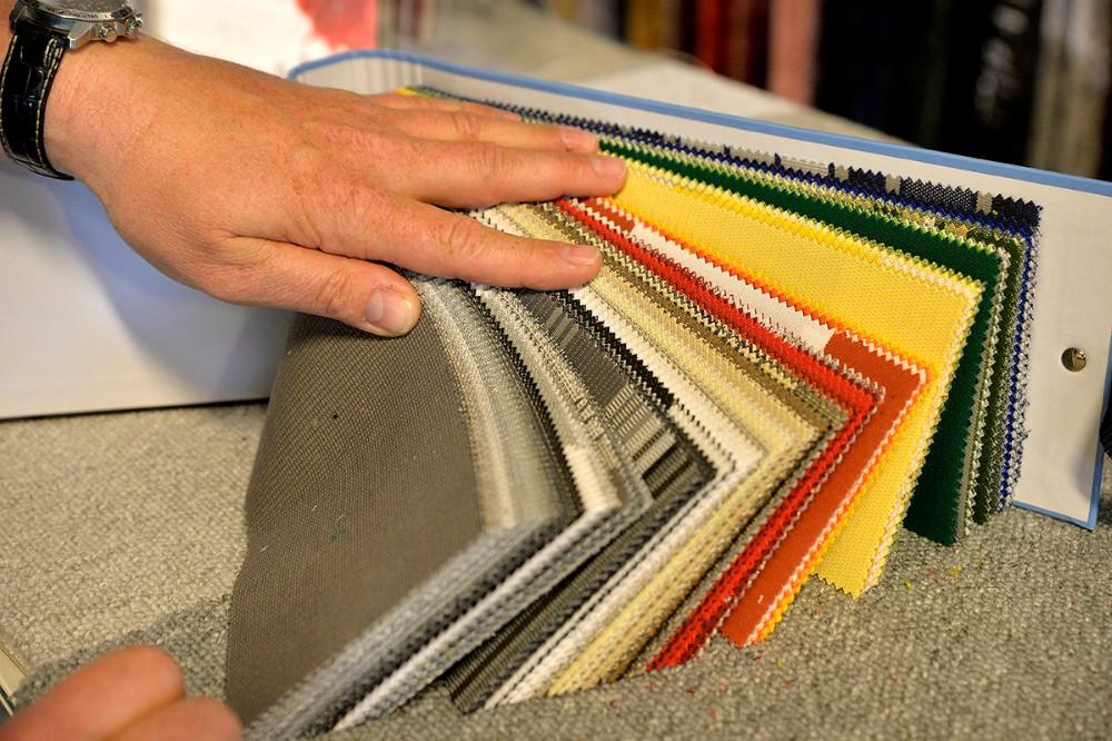 Selve dugen til markisen kan leveres i stort set alle farver og mønstre. Foto: Jens Nielsen