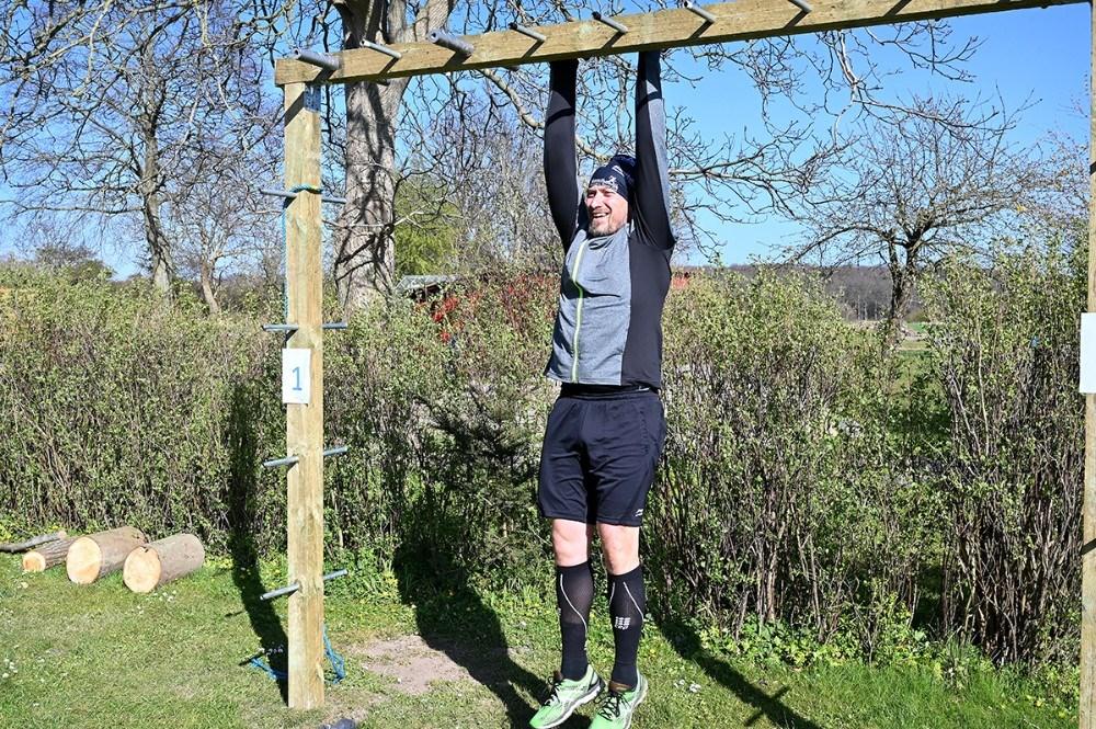 Christian Dalsgaard har bygget et helt træningscenter i familiens have. Foto: Jens Nielsen