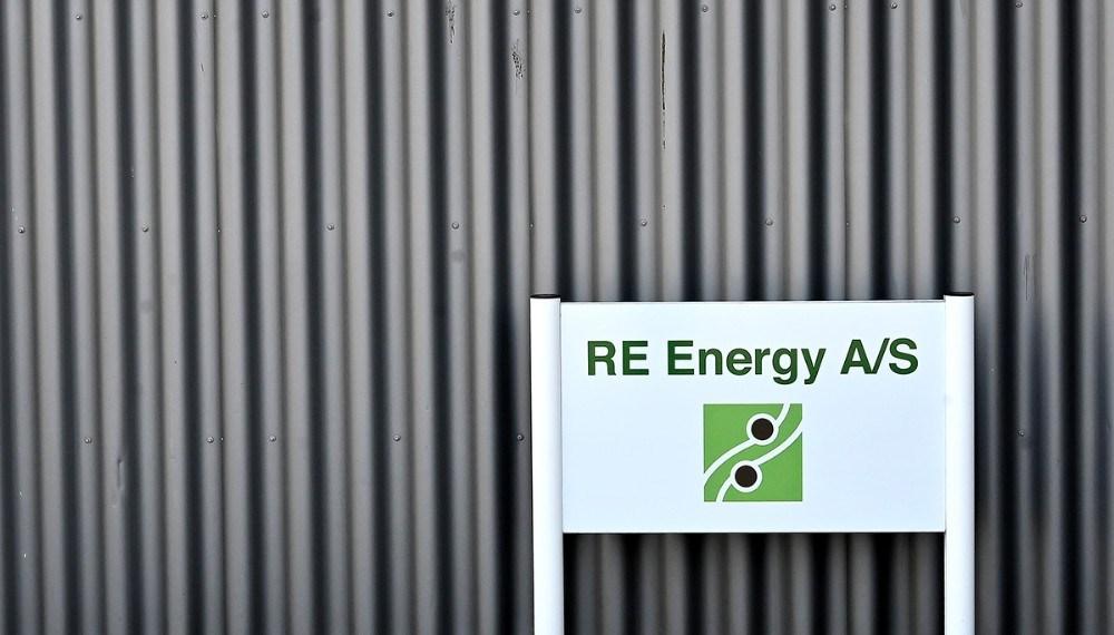RE Energy har fået deres navn på fabriks anlægget. Foto: Jens Nielsen
