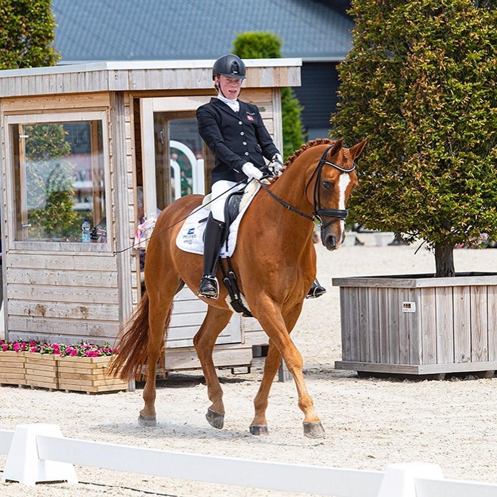 Katrine Kristensen fra Kalundborg er udtaget til dede Paralympiske Lege i Tokyo med hesten Welldone. Privatfoto