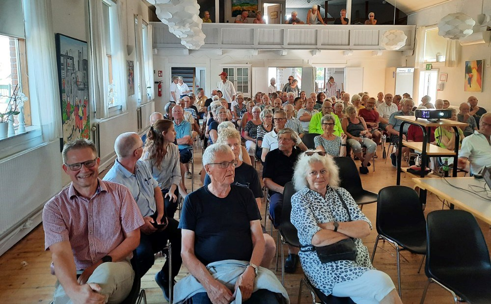 121 mødte op til borgermøde om den nye Røsnæs Brugs torsdag i denne uge. Privatfoto