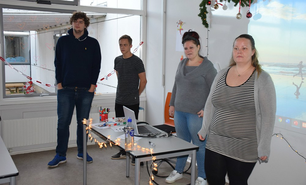Onsdag formiddag var Morten Brændholt, Inge Johansen og Thomas Gosch fra Kalundborg Rocker forbi Allikelund Gymnasium, hvor eleverne havde festivalen som erhvervs-case. Foto: Gitte Korsgaard.