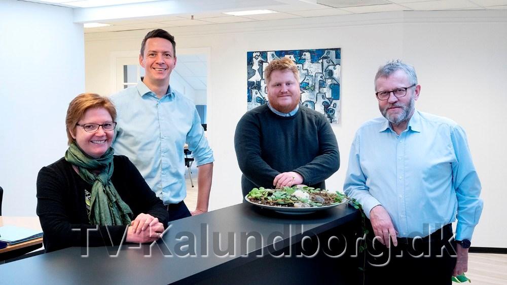 Personalet fra Kalundborgegnens Erhvervsråd, fra venstre, RikkeDybkjær Meltz, Jens Lerager, David Hindberg og Otte Aagaard, godt igang med at arrangere det store awardshow. Foto: Jens Nielsen