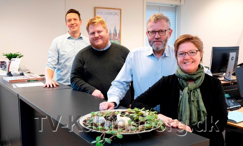 Personalet fra Kalundborgegnens Erhvervsråd, fra venstre, Jens Lerager, David Hindberg,Otto Aagaard og RikkeDybkjær Meltz, godt igang med at arrangere det store awardshow. Foto: Jens Nielsen