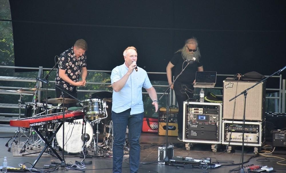 Jimmy Sørensen var konferencier i Musik I Gryden fredag aften. Foto: Gitte Korsgaard.