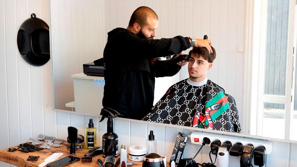 Anas Hussein har åbnet ny frisørsalon på Sct. Jørgensbjerg. Foto: Jens Nielsen