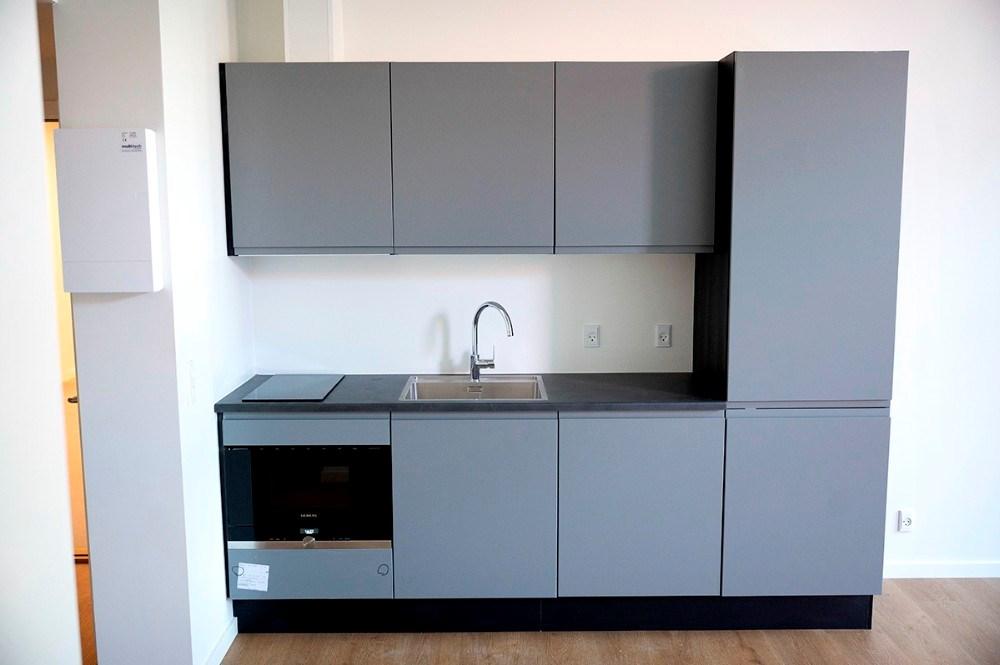 I de nye værelser som snart er færdige får beboerne eget køkken med køleskab og ovn. Foto: Jens Nielsen
