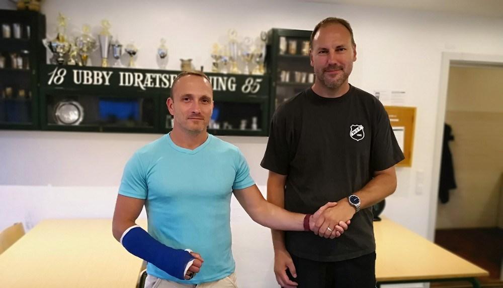 Ungdomsformand Torben Nielsen, th og træner Bob Arup, tv. Privatfoto. Privatfoto