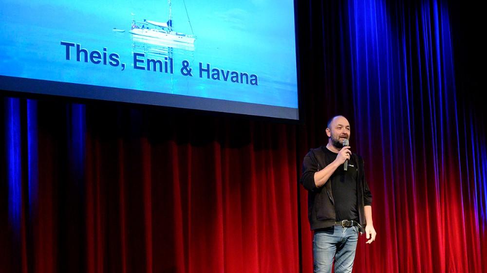 Brian Sønder Andersen bød de mange gæster velkommen. Foto: Jens Nielsen