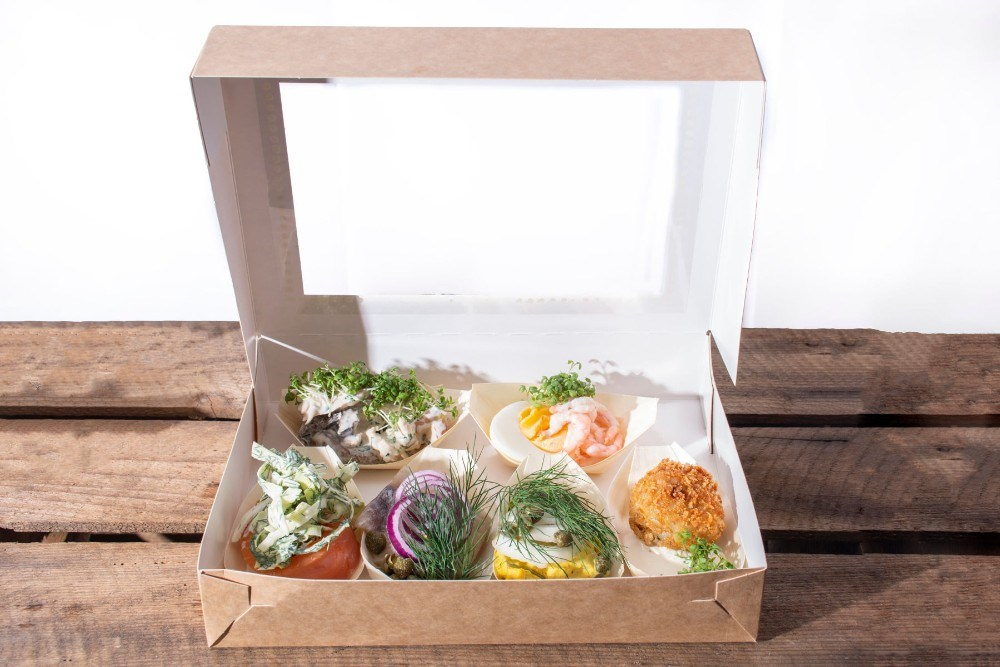 Frokosten kan også leveres ud af huset. Foto: Cafe Dyrehøj