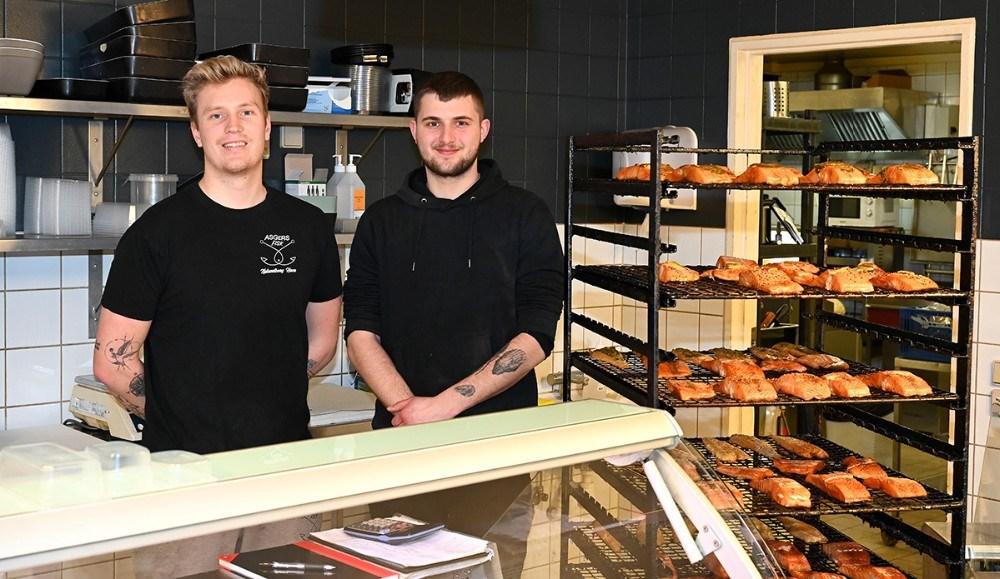 Asger Øgelund ogMathias Dyhr Rothmann fra Asgers Fisk har fået stor succes med´Ugens spiseoplevelse´. Foto: Jens Nielsen