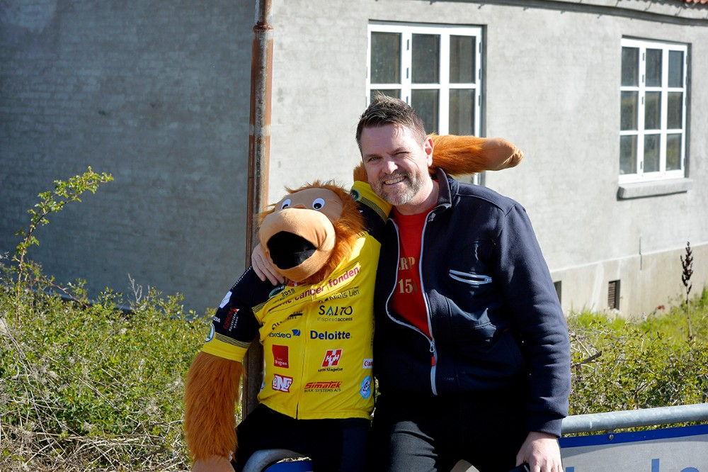 Brugsuddeler Jimmie Rasmussen sammen med Rynke. Foto: Jens Nielsen