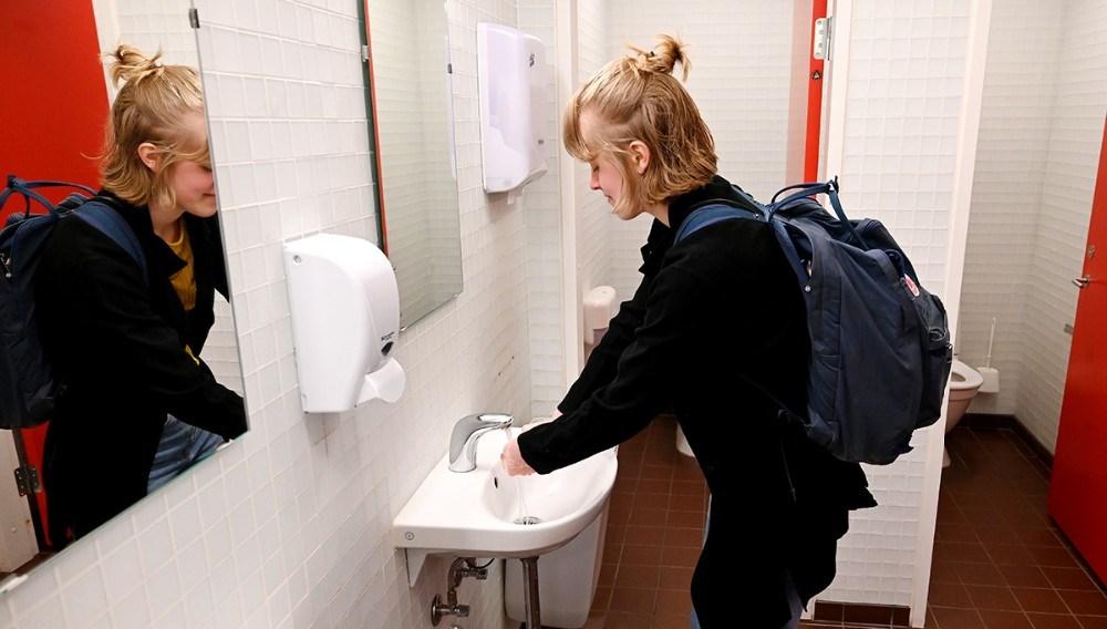 Alle elever skulle vaske fingre før undervisningen. Foto:Jens Nielsen