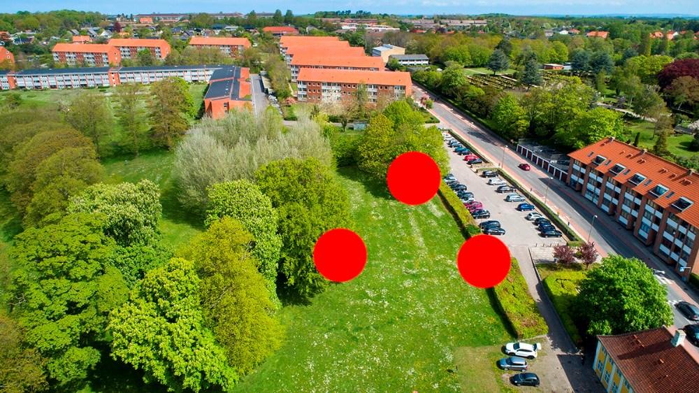 Her skal tre af de otte klyngehuse placeres. Foto: Jens Nielsen