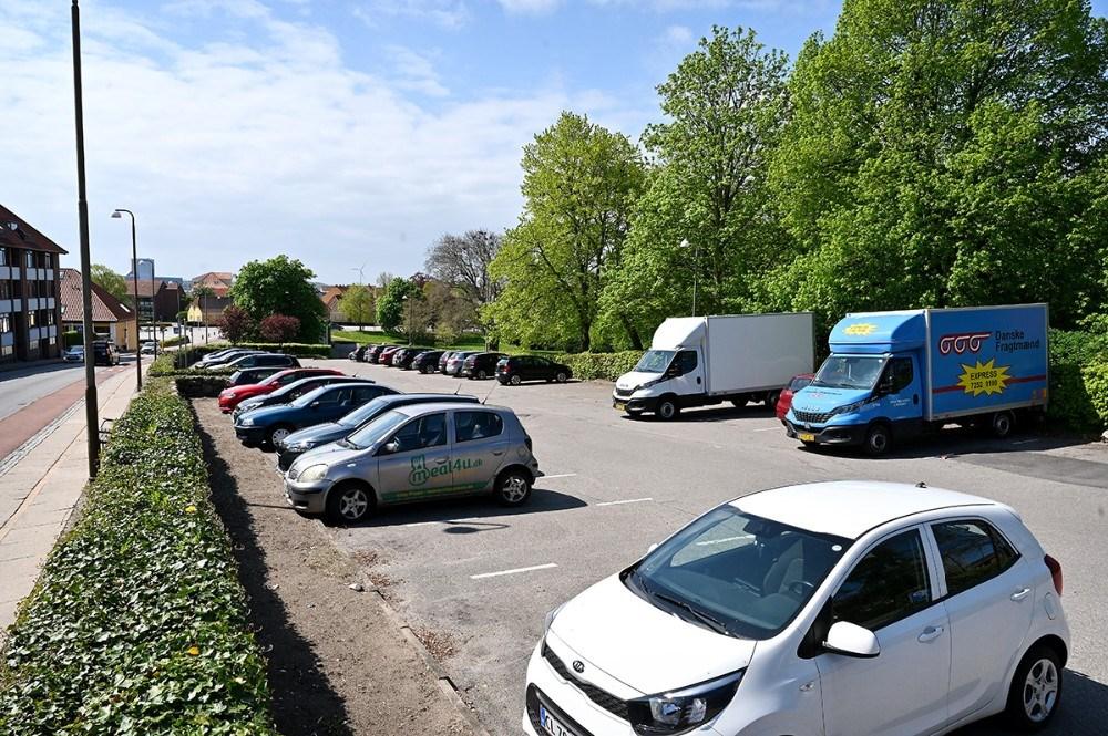 P-pladsen på klosterparkvej forsvinder og bliver til grønt område. Foto: Jens Nielsen