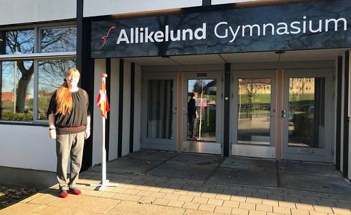 Eleverne fra de afsluttende klasser på Allikelund Gymnaisum er tilbage på skolen.