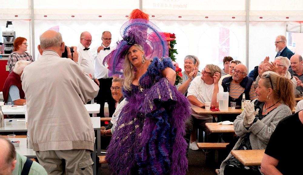 Syngepigerne fra Bakkens Hvile var et populært indslag under sommerfesten. Foto: Jens Nielsen