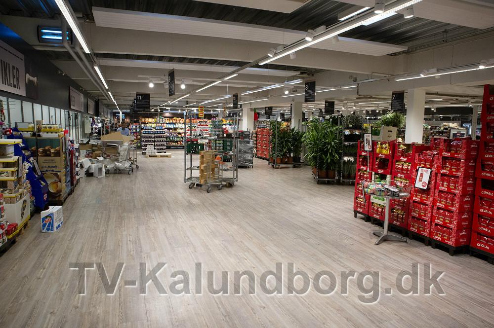 Mandag rykker håndværkerne ind og brækker gulvet op. Foto: Jens Nielsen