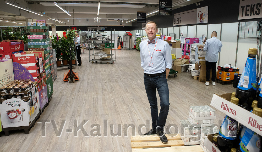 Peter Egebæk i den del af butikken hvor gulvet nu skal brækkes op. Foto: Jens Nielsen