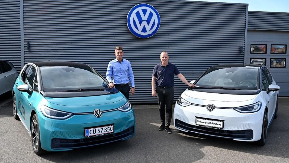 Rasmus Klarskov og Brian Petersen fra Volkswagen Kalundborg er klar til at vise den nye ID.3 frem i den kommende weekend. Foto: Jens Nielsen