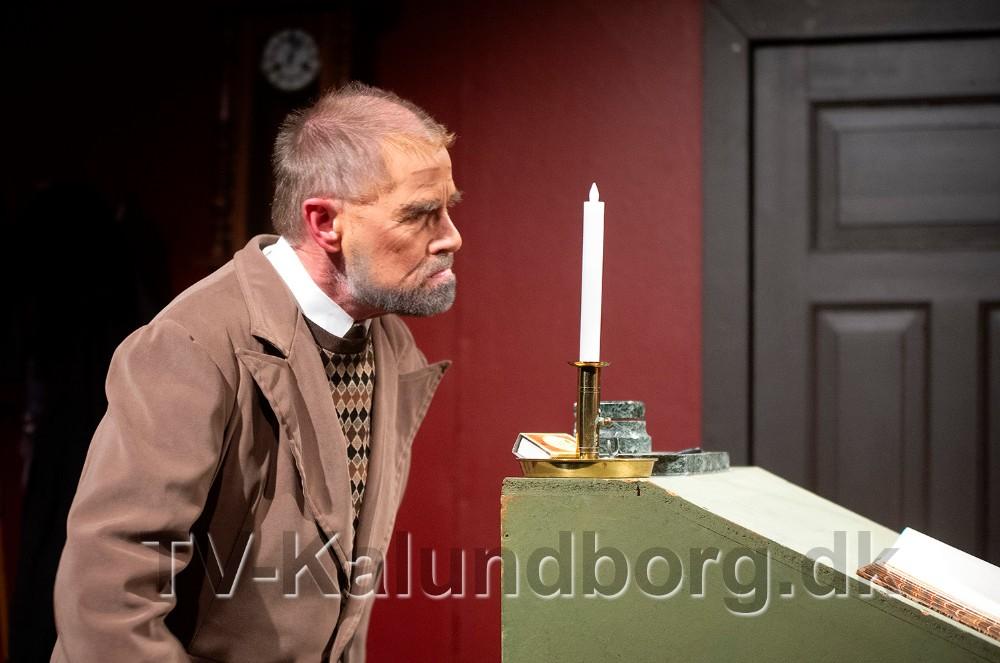 Det er formand for KAT Jakob Hedebosom har hovedrollen som Ebenezer Scrooge. Foto: Jens Nielsen