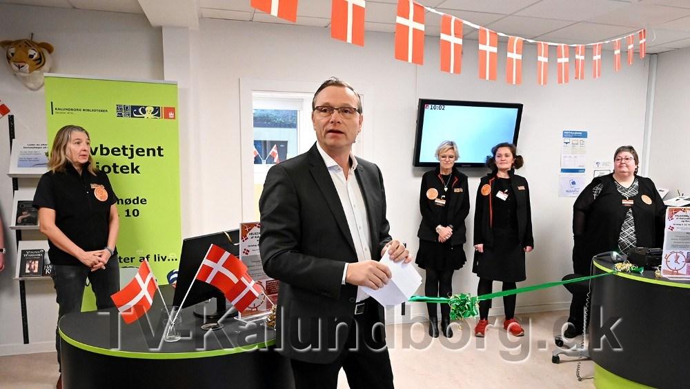 Peter Jacobsen indviede den nye Borgerservice på Kalundborg Bibliotek. Foto: Jens Nielsen